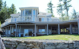 Photo of a Bayside Rental—Just a Short Drive from the Best Lake Winnipesaukee Boat Rentals.